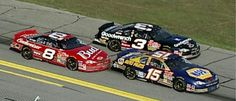A very rare picture of Michael Waltrip, Dale Sr and Jr under the red flag in the 2001 Daytona500