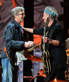 Eric Clapton Keith Richards Photos - Eric Clapton and Keith Richards perform on stage during the 2013 Crossroads Guitar Festival at Madison Square Garden on April 2013 in New York City. - Eric Clapton's Crossroads Guitar Festival 2013 - Day 2 - Show Phil Collins, Keith Richards, Blues Rock, Freddie Mercury, Rock And Roll, Eric Clapton Guitar, Heavy Metal, Los Rolling Stones, The Yardbirds