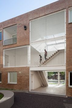For all of the buildings, the team sought to minimise waste and to make use of local technologies. The structural system follows a regular grid that results in efficient layouts. Amazing Architecture, Contemporary Architecture, Architecture Design, Axonometric View, Brick Cladding, Urban Fabric, Social Housing, Concrete Structure, Duplex House