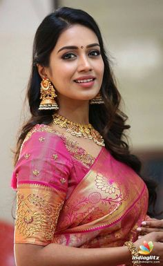 Tollywood Actress Nivetha Pethuraj Gorgeous Stills at CMR Shopping Mall Mahaa Sale Exhibition Launch Beautiful Girl Indian, Most Beautiful Indian Actress, Beautiful Girl Image, Beautiful Saree, Beautiful Flowers, Beautiful Women, Indian Actress Hot Pics, Tamil Actress Photos, Indian Actresses