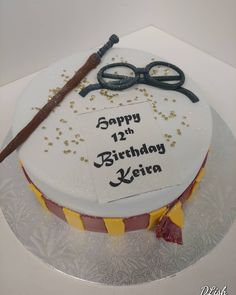 Harry Potter #harrypotter #spells #wand #glasses #spectacles #scarf #gryffindor #cake #dlish Birthday Cakes, Wands, Harry Potter, Unisex, Glasses, Desserts, Food, Eyewear, Meal