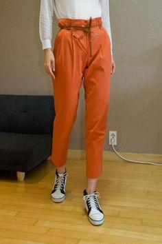 waist string baggy pants from Kakuu Basic. Saved to Kakuu Basic Pants. Shop more products from Kakuu Basic on Wanelo. K Fashion, Seoul Fashion, Korean Street Fashion, Korea Fashion, Fashion Looks, Fashion Outfits, Korean Store, Baggy Pants, Online Fashion Stores