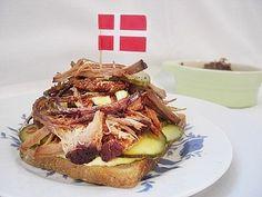 Schwedisches Smörgås & Dänisches Smørrebrød. Viele köstliche ♥ Smörrebröd-Rezepte ♥ mit typisch skandinavischen Zutaten belegt & liebevoll garniert!