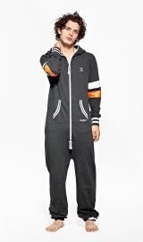 The OnePiece College 29 Dark Grey Onesie is perfect for both men and women. This unisex adult onesie is a lightweight design with a zip through hood and luxury super soft cotton. 100% Cotton - Soft Lightweight fabric in 250gsm quality.Male model's height: 180cm/5'9