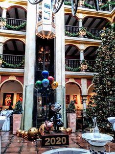 La plume d'Isandre – LIRE, ECRIRE, VOYAGER, DECOUVRIR, PARTAGER Christmas Tree, Holiday Decor, Blog, Home Decor, Feather, Teal Christmas Tree, Decoration Home, Room Decor, Xmas Trees