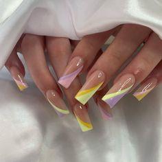 Edgy Nails, Oval Nails, Stylish Nails, Purple Acrylic Nails, Pastel Nails, Blue Nails, White Summer Nails, Bright Nail Art, Cute Short Nails