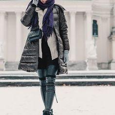 Lena | mit Handkuss 🖤 (@mithandkuss) • Instagram-Fotos und -Videos Top Blogs, Winter Jackets, Jumpsuit, Lifestyle, Instagram, Videos, Womens Fashion, Photos, Kissing Hand