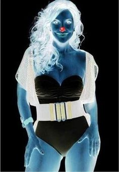 Look the red point at least for 10 seconds then whisk the eyelids looking at a white wall