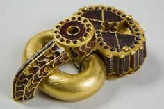 Dacian gold Medieval Jewelry, Ancient Jewelry, Antique Jewelry, Ancient Rome, Ancient Greece, Visit Romania, Unexplained Phenomena, Cultura General, Classical Antiquity