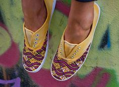 Hey, j'ai trouvé ce super article sur Etsy, chez https://www.etsy.com/fr/listing/187404607/marigold-african-print-shoes