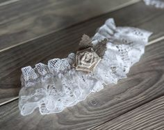 Rustic Chic wedding garter  with ivory burlap от RusticBeachChic, $22.00