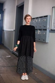 My Wardrobe, Capsule Wardrobe, Fashion Women, Women's Fashion, White Chic, Teacher Style, Trends, Japan Fashion, Pattern Mixing