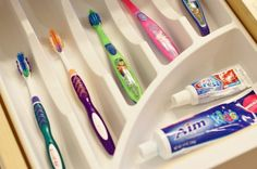 Keep toothbrushes tidy using a utensil organized. No more germ-sharing!