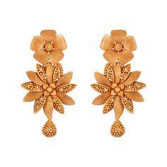 Asamanja Floral Gold Dangler Earrings Gold Jhumka Earrings, Gold Bridal Earrings, Jewelry Design Earrings, Gold Earrings Designs, Gold Jewellery Design, Gold Ring Designs, Gold Earrings For Women, Gold Mangalsutra, Antique Earrings