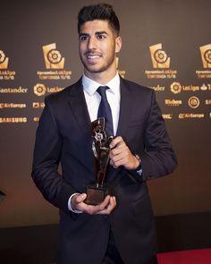 Real Madrid Players, I Work Hard, Fashion Suits, Mens Fashion, Football Players, Ronaldo, Hot Guys, Beautiful People, Man Candy