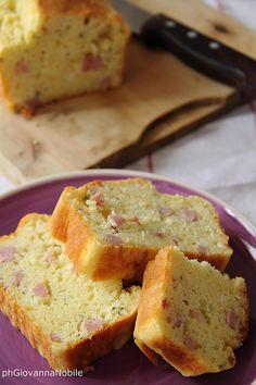 Cake salato con prosciutto cotto, robiola e maggiorana. La ricetta sul mio blog!