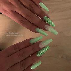 Lime Green Nails, Dark Green Nails, Green Nail Designs, Acrylic Nail Designs, Sweet 16 Nails, Acrylic Nails Coffin Glitter, Acrylic Nails Green, Fire Nails, Spring Nails