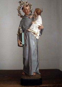 Etsy のThe Infant Jesus with Saint Anthony of Padua Statue San António de Lisboa Spain Olot Religious Art Antique /180(ショップ名:GliciniaANTIQUE)