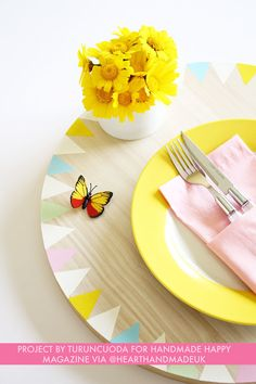 How to make painted placemats for summer dining