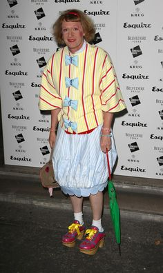 Grayson Perry Photos - Grayson Perry arrives at Esquire's Singular Suit Project launch party at Somerset House on July 2009 in London, England. Grayson Perry, Esquire, Product Launch, Victoria, Poses, Suits, Black And White, Gcse Art, Launch Party