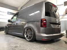 Almost back in 1 piece.big thanks to 💪🏻 for a killer job on getting the caddy back together, rear end is looking better now👌🏻👌🏻 # Caddy Van, Volkswagen Caddy, Forged Wheels, Rear Ended, Custom Vans, All Cars, 1 Piece, Cars And Motorcycles, 4x4