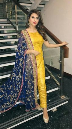 Best 12 Yellow Mehndi Outfits – Waliya Najeeb at a Wedding Simple Pakistani Dresses, Indian Gowns Dresses, Pakistani Bridal Dresses, Indian Fashion Dresses, Pakistani Dress Design, Pakistani Outfits, Indian Outfits, Pakistani Mehndi Dress, Bridal Lehenga