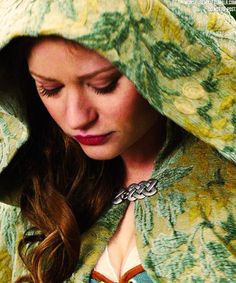 If Abramsverse needed an Edith Keeler, I think, maybe, Emilie De Ravin, would be an idea... She has had dark hair, like Joan Collins Emilie De Ravin, Belle French, Switched At Birth, Once Upon A Time, Rumple And Belle, Outlaw Queen, Proud Of Me, He's Beautiful, Best Shows Ever