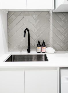 Gorgeous tile option for Laundry Splash Back. Check out our Bathroom and Laundry Renovations for design ideas. Modern Laundry Rooms, Laundry In Bathroom, Küchen Design, House Design, Design Ideas, Kitchen Splashback Tiles, Open Plan Kitchen Living Room, Laundry Room Inspiration, Laundry Room Design