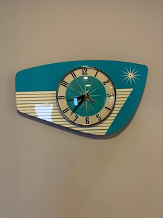 Handmade Formica Wall Clock in Turquoise from Royale - Midcentury French Atomic Retro style with Starburst Formica Design Mid Century Decor, Mid Century Style, Retro Furniture, Mid Century Modern Furniture, Latest Curtain Designs, Wall Clock Hands, Clock Wall, Retro Clock, Vintage Wall Clocks