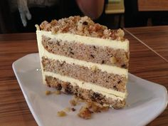 Nejlepší ořechový dort s vanilkovým krémem připravený za 30 minut! Sweet Cookies, Cake Cookies, Czech Desserts, Cake Recipes, Dessert Recipes, Delicious Desserts, Yummy Food, Czech Recipes, Walnut Cake