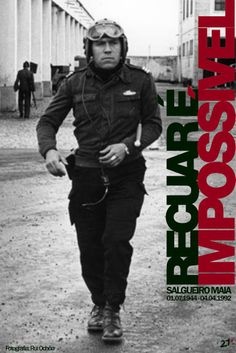 Salgueiro Maia, capitão de abril, 1974 - Portugal. History Of Portugal, France, Lisbon Portugal, Working Class, Carnations, Granada, Portuguese, Vintage Posters, First Love