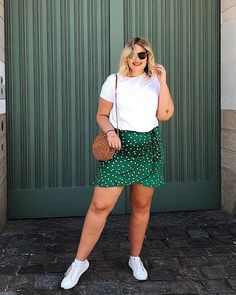 Plus Size Summer Outfits Plus Size Summer Outfits,Miami Plus Size Summer Outfit with A Classic Wrap Skirt From Asos and White Tee and White Sneakers Related posts:Nike Dri-fit Pg Basketball-T-Shirt für Herren. Boho Outfits, Elegant Summer Outfits, Curvy Girl Outfits, Cute Casual Outfits, Fall Outfits, Summer Dresses, Spring Outfit Women, Summer Outfits Women Over 40, Outfits Plus Size