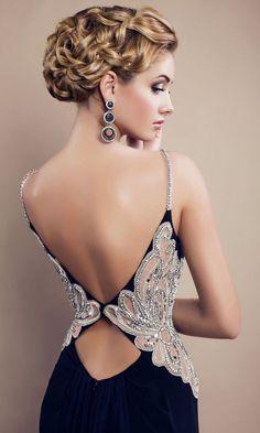 Escotes en la espalda que necesitas en tu vestido de graduación