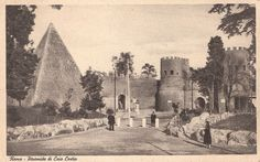 I used to live near here. Lots of feral cats lived at the base of the pyramid, and a lady that worked in a restaurant across the street would feed them leftover spaghetti. *Vintage Rome Piramide di Caio Cestio