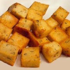 Prato típico da Madeira. É o acompanhamento mais famoso da Madeira, só tendo rival na batata-doce. Em tempos, as papas de farinha de milh...