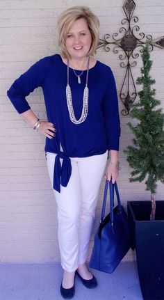 Best Fashion Tips For Women Over 60 - Fashion Trends 60 Fashion, Over 50 Womens Fashion, Fashion Over 40, Fashion Tips For Women, Plus Size Fashion, Fashion Outfits, Fashion Trends, Ladies Fashion, Fashion Styles