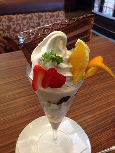 ソフトクリームチョコレートケーキ