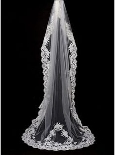 One-tier Lace Applique Edge Cathedral Bridal Veils With Lace (006089555)
