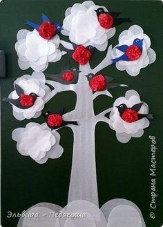 Поделка изделие Аппликация Снежное дерево Бумага Материал бросовый фото 1