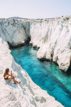 Greece Travel Inspiration - Moonscape: Exploring the Greek Island of Milos - Passion Passport Places To Travel, Travel Destinations, Places To Visit, Greece Destinations, Dream Vacations, Vacation Spots, Caribbean Vacations, Destination Voyage, Travel Goals