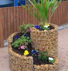 Υγεία - Ώρα για μικρά θαύματα στη βεράντα σας! Ακόμα κι αν δεν έχετε ένα τεράστιο κήπο, αλλά μόνο μπαλκόνι ή βεράντα, μπορείτε να φτιάξετε το δικό σας αυτοσχέδιο π
