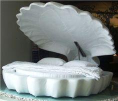 貝殻型のベッド