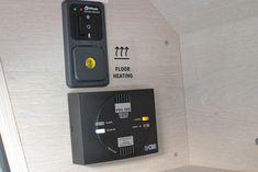 Tourne-Mobil Solaranlage 100W Apple Tv, Remote, Flooring, Solar Installation, Wood Flooring, Floor, Pilot