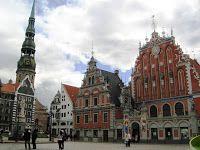 Baltijas Valstis (a balti államok): Riga – Óváros (Vecrīga)   Feketefejűek Háza