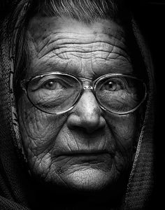 I like this portrait because it has extreme detail; you can see every exact detail of her face. It sets a vibe through the expression, lighting, distance from object, and colors (black and white). Black And White Portraits, Black And White Photography, Fotografia Pb, Foto Face, Cultura Judaica, Types Of Portrait, Old Faces, People Of The World, Interesting Faces