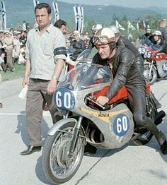 hailwood - [Oldies ] Angel Nieto, Mike Hailwood, etc. Old School Motorcycles, Racing Motorcycles, Grand Prix, Road Racer Bike, Honda Motorbikes, Motorcycle Racers, Valentino Rossi, Vintage Bikes, Road Racing