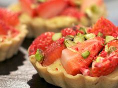 Strawberry and Pistachio Tartlets Recipe