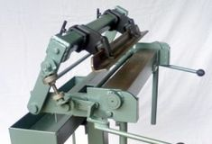 These PANBRAKE MACHINERY PLANS for this interesting panbrake allows the forming of closed sheet metal products-it also has the ability to form radius corners Steam Bending Wood, Metal Bending, Metal Working Tools, Work Tools, Pliage Tole, Sheet Metal Bender, Mild Steel Sheet, General Engineering, Sheet Metal Tools