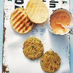 falafel-burger-mit-tomaten-dip.jpg