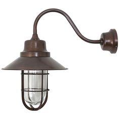Stallamp in donker messing voor buiten.  Ingetogen, chique en toch stoer. Hoogte 35cm en lengte/diepte 35cm. Fraai aan je gevel, stalmuur of onder je veranda.